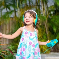 English Audiobook Player for Kids + Headphones | Lunii - My Fabulous Storyteller | English Audio Book for Kids | English Audio Stories for Childrens | Audio Device