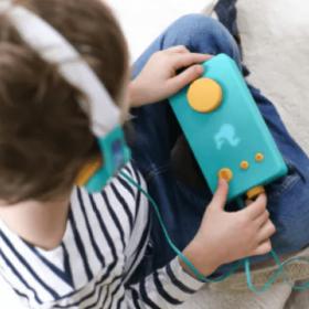 Dutch - Nederlands Audiobook Player for Kids + Headphones | Lunii - My Fabulous Storyteller | Dutch Audio Book for Kids | Dutch Audio Stories for Childrens | Audio Device
