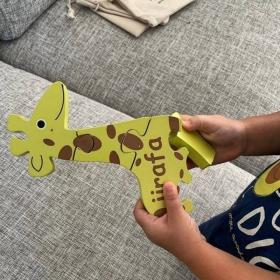 Spanish + English Giraffe Puzzle | Bilingual Puzzle | Wooden Toy | Montessori Learning | Spanish Language Toys | Play Set | Language Learning Market